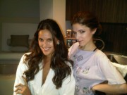 Anna Kendrick With Isabel Goulart -Twitter Pic