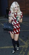 Nov 19, 2010 - Pixie Lott @ Leaving a Photo Studio in London Abc94c107949146