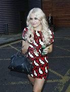 Nov 19, 2010 - Pixie Lott @ Leaving a Photo Studio in London E57d33107949124