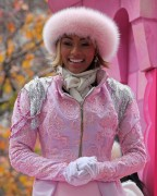 "Nov 25, 2010 - Keri Hilson - ""Macy's Thanksgiving Day"" 84th Annual Parade In NYC 589ae3108236272"