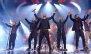 Take That au X Factor 12-12-2010 - Page 2 75762b111005894