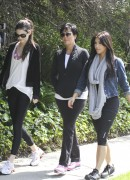 Kim Kardashian walks with her mother and Kendall Jenner x8HQ, 6.04.11