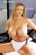 Blonde bianca tranny