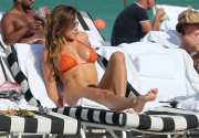 Айда Йеспица, фото 279. Aida Yespica in bikini on the beach in Miami, december 18, foto 279