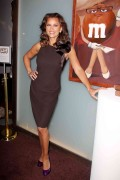 Vanessa Williams - M&Ms Museum of Chocolate (2/7/12) x4