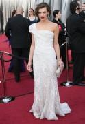 Милла Йовович, фото 2001. Milla Jovovich 84th Annual Academy Awards - February 26, 2012, foto 2001