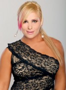 Natalya Neidhart: City of Angels 2010 (x4 Pics)