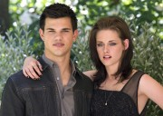 New & Old HQ pics of Kristen and Taylor at the Eclipse Rome Photocall D99e2394899096